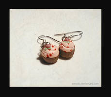 red fruit cupcakes earrings by Aerusss