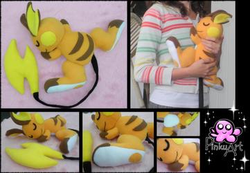 Cuddling Raichu plush by PinkuArt