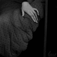 Mano by MarinaCoric