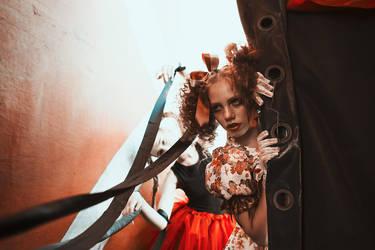 circus 2 by emptyredhead