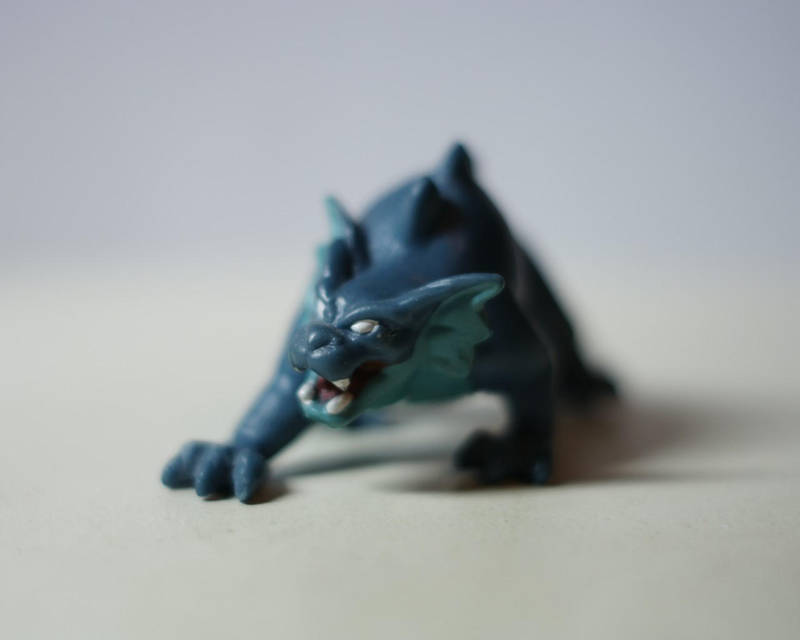 Gargoyles: Bronx macro by duncan-blues