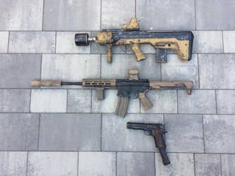 My Post apocalyptic Airsoft paintjobs. by M1ntGr33n