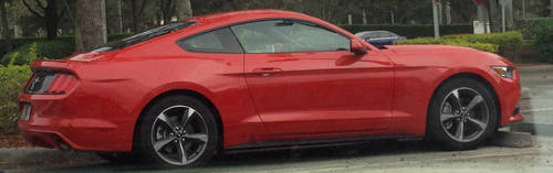 Side view of 2015 Mustang by redconvoy