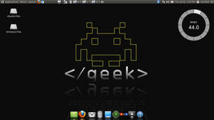 My Ubuntu Desktop  2011 July by carnine9
