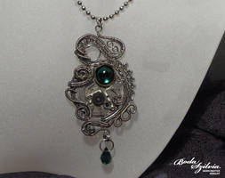 EMERALD - steampunk pendant by bodaszilvia
