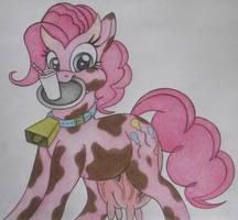 Pinkcow Pie by spectrum-sparkle