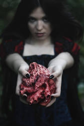 Gothic Snow White by TheIronRing