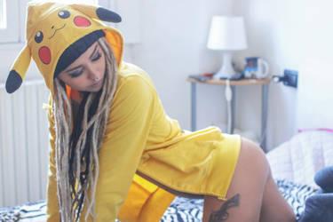 pikachu by minuInWonderland