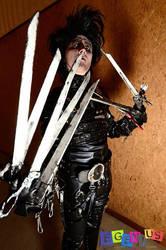Cosplay Edward Scissorhands by CosplayQuest