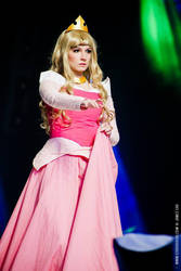 Sleeping Beauty Cosplay by CosplayQuest