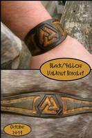 Black+Yellow Valknut Bracelet by AThousandRasps