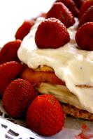 Strawberry Super Cake by Lika-san