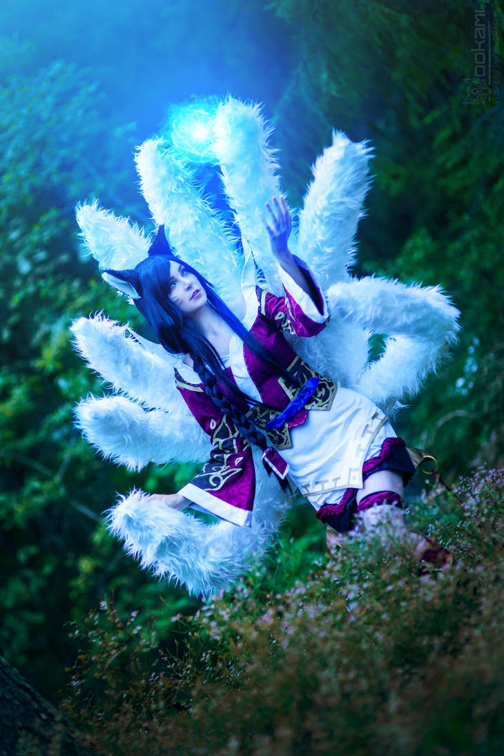 Ahri from League of Legends by WhiteSpringPro