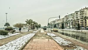 The Rare Snow In Izmir. by bigzoso