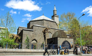 The Mosque Of Nebi,Diyarbakir. by bigzoso