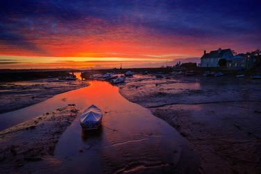 Low tide sunrise by ibasimaikataimeto