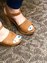 Blue toes  by naghashi