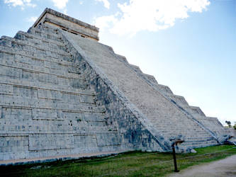 Shaded side of El Castillo by ChalleN75