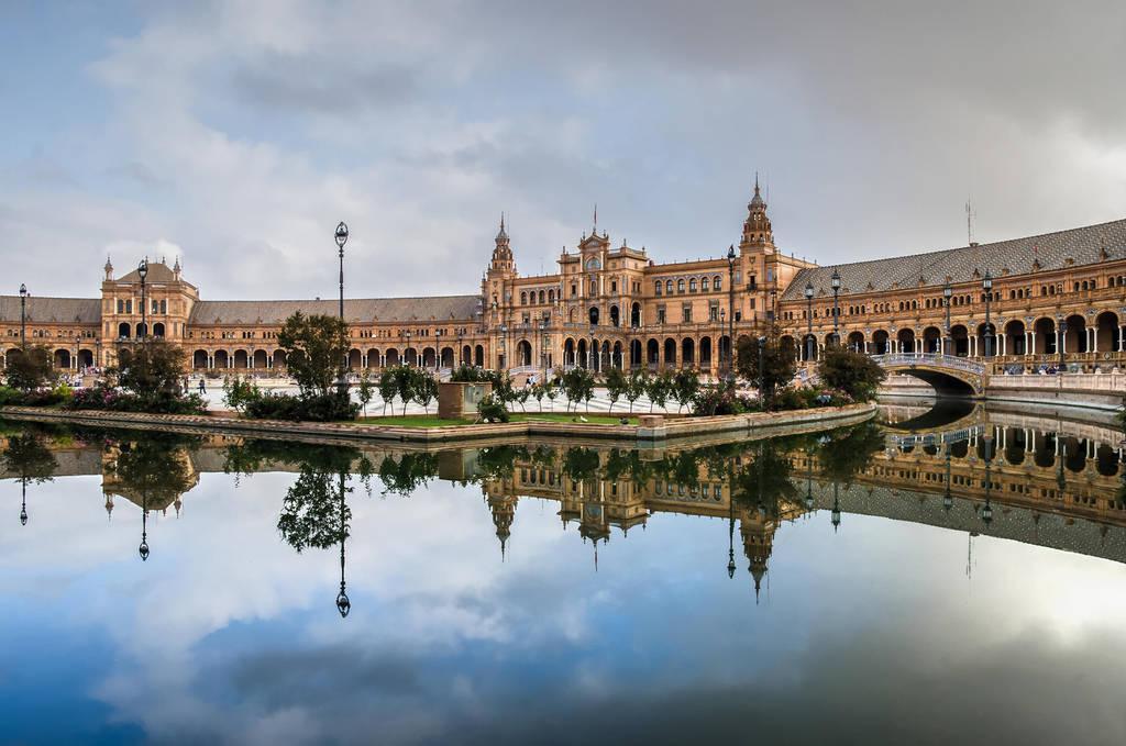 Place d'Espagne by Aurelien-Minozzi