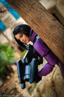 In cover - ME2 Renegade Shepard by xsakichanx