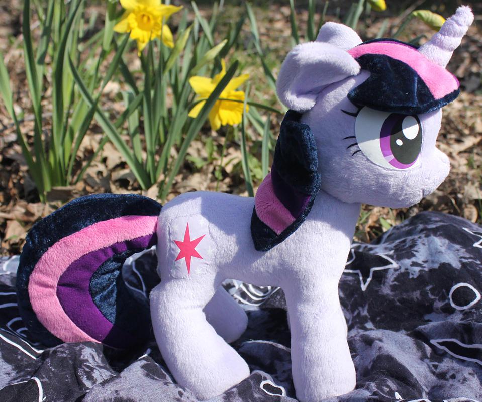 Twilight Sparkle Plushie by nalina