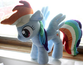 Rainbow Dash Plushie by nalina