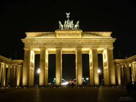 Brandenburg Gate by serel