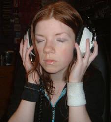 stock - headphones v2 by dkittystockage