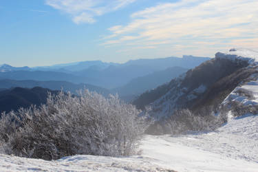 Le plateau d'Ambel sous la neige by Mika3B