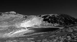 Frozen lake by avatare