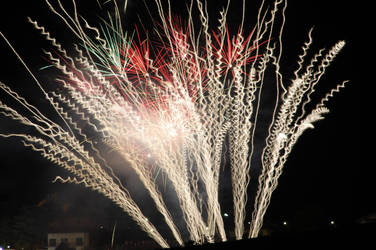 The burning firework by Makkialientje