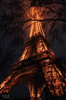Eiffel Tower by AkuZeku