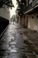 French Quarter alleyway by photoscot