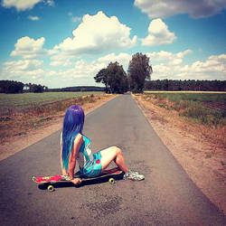 Chillin' on my Longboard by Vanyanie