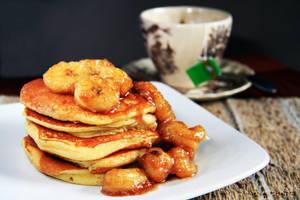 Banana cinnamon pancake by slippingspecs