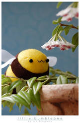 little bumblebee by onifrogbox