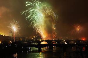 Firework5 by Holowood