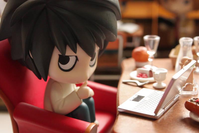 L chatting with Watari by michigaki