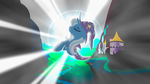 .:Shimmering Majesty:. by Meteor-Venture