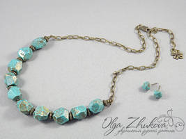 Necklace with faceted beads by polyflowers