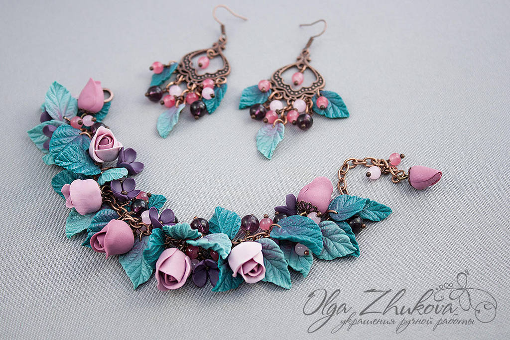 Bracelet and earrings with roses by polyflowers
