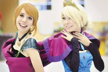 Anna and Elsa coronation cosplay by whitelilium