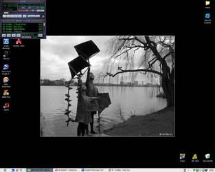My current desktop by PaPeRDoLLLL