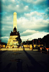 Rizal's Monument by Kyuzengi