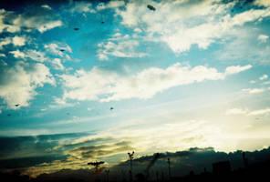 Cloudy Sunset by Kyuzengi