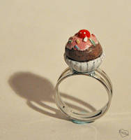 Cupcake ring by Kridah