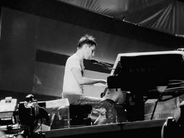 Mr.Bellamy and the piano by stardixa