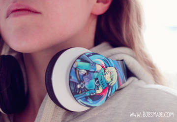 Tales Of Symphonia Custom Headphones by Bobsmade