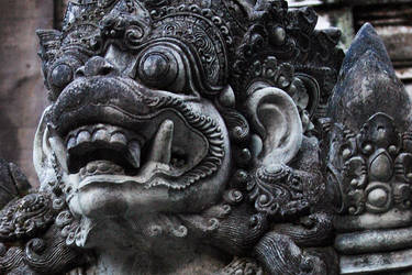 Balinese statue by accessQ