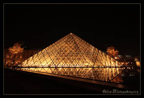 Pyramid Reflections I by allym007